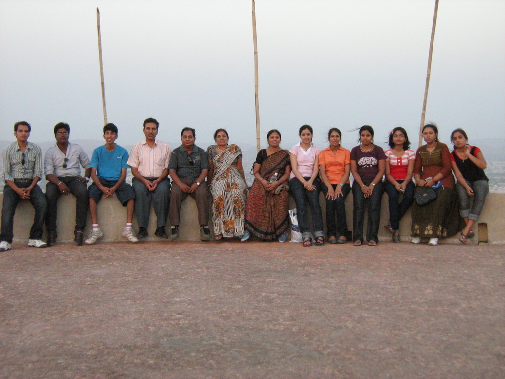 activities_iice-picnic-at-sajjan-garh-with-students-and-team1