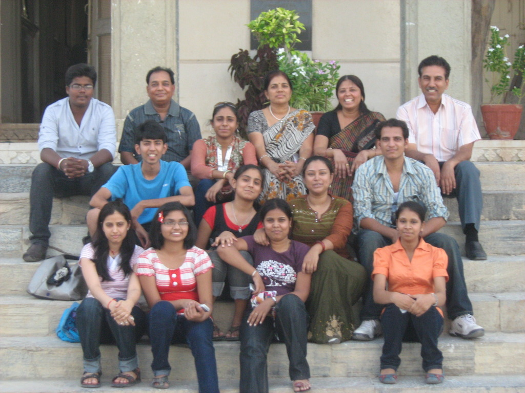 activities_iice-picnic-at-sajjan-garh-with-students-and-team2